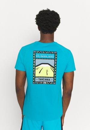 TEE - T-shirts print - turquoise/white