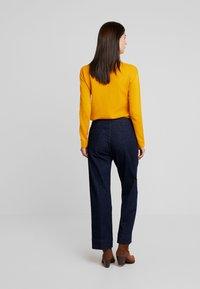 Opus - MILA - Flared jeans - deep rinsed blue - 2