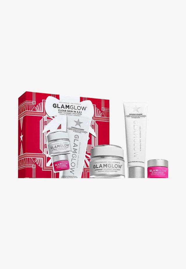 CLEAR SKIN IN 3,2,1 - Kit skincare - -