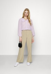 YAS - YASMINNIE - Skjorte - lavender fog - 1