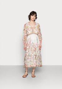 Derhy - SIENNE DRESS - Długa sukienka - off white - 0