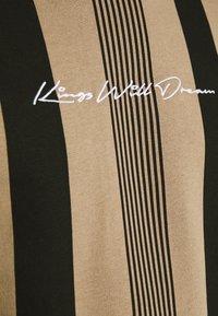 Kings Will Dream - VEDLO CREW - Sweatshirt - dark sand/black - 3