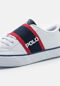 Polo Ralph Lauren - THERON UNISEX - Sneakers - white tumbled/navy/red gore - 5