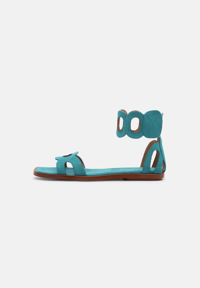 VEGAN HORTENSIA - Sandali con cinturino - acqua