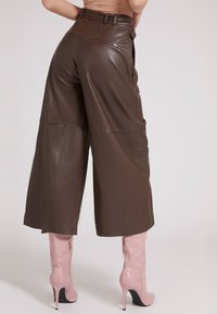 Guess - Leather trousers - braun - 2