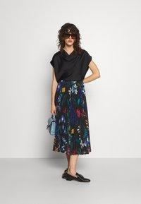 Paul Smith - PLEATED SKIRT - Pleated skirt - black - 1