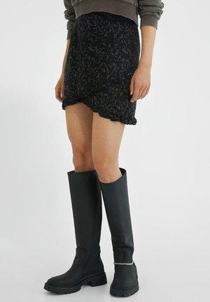 NEEA RUFFLES - Wrap skirt - black/rails tortoise