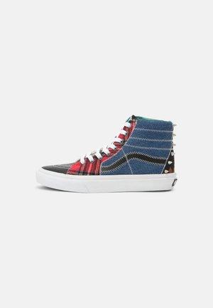 Höga sneakers - multi