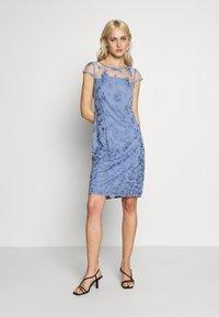 Esprit Collection - DEGRADÉ FLORAL - Cocktailkleid/festliches Kleid - blue lavender - 1