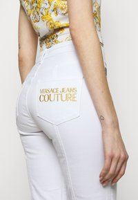 Versace Jeans Couture - Slim fit jeans - white - 5
