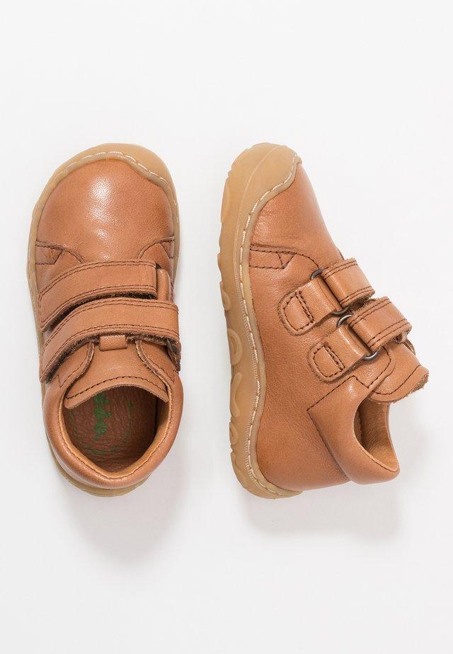MINNI MEDIUM FIT - Dětské boty - brown