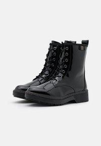 Tamaris - BOOTS - Botki sznurowane - black - 2