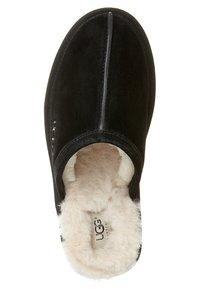 UGG - M'S SCUFF - Slippers - black - 6