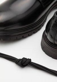 LAST STUDIO - CAFEL POLIDO - Klassiset nauhakengät - black - 5