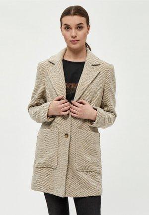 Krátký kabát - warm sand pr