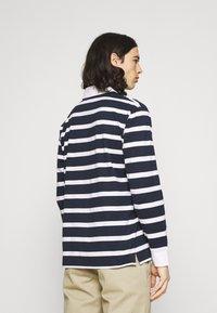Newport Bay Sailing Club - BOLD STRIPE RUGBY - Polo shirt - navy - 2