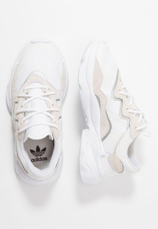 OZWEEGO - Baskets basses - footwear white/core black