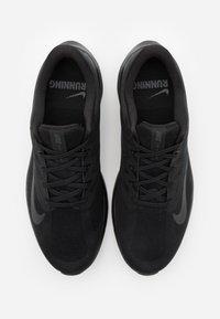 Nike Performance - QUEST 3 - Scarpe running neutre - black/dark smoke grey - 3