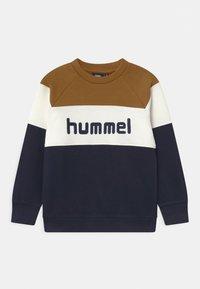 Hummel - CLAES UNISEX - Collegepaita - rubber - 0