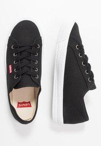 Levi's® - MALIBU BEACH - Sneakers laag - regular black - 3