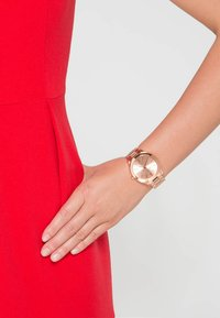 Michael Kors - SLIM RUNWAY - Hodinky - rosegold-coloured - 1
