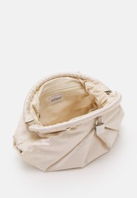 Núnoo - SAKI CHRISTMAS - Clutch - white/gold - 2