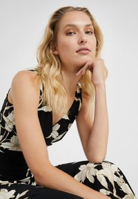 Lauren Ralph Lauren - YANILSA - Maxi dress - black/colonial - 5