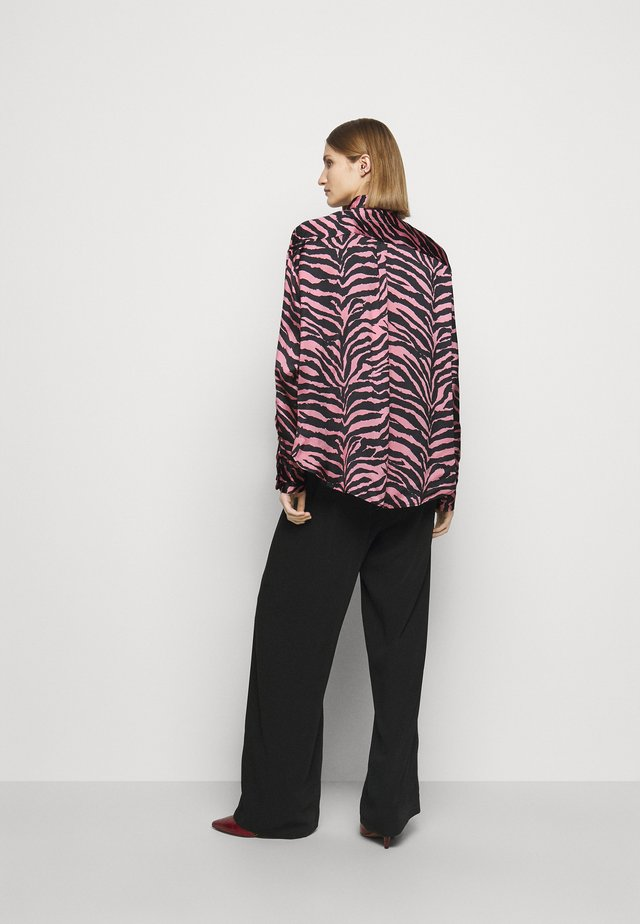 Hemdbluse - pink/black