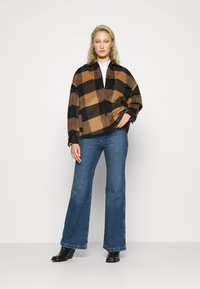 Madewell - LEIGH RETRO - Flared Jeans - mersey - 1