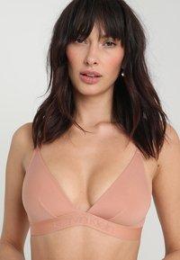 Calvin Klein Underwear - UNLINED - Triangle bra - beige - 3