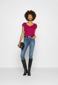 Anna Field - T-shirts - berry - 1