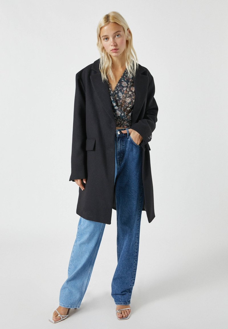 PULL&BEAR - Short coat - black