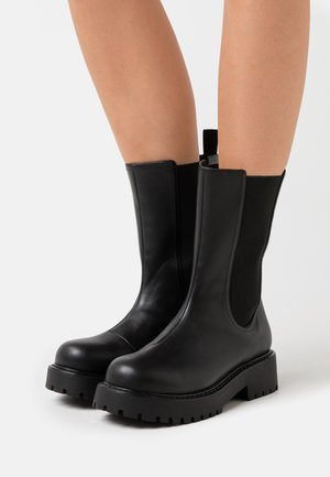 VEGAN MADDIE BOOT - Platform-saappaat - black