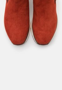 Tamaris Pure Relax - RELAXED FIT - Classic ankle boots - burned orange - 5