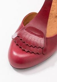 Chie Mihara - MOLE - Classic heels - granate - 2