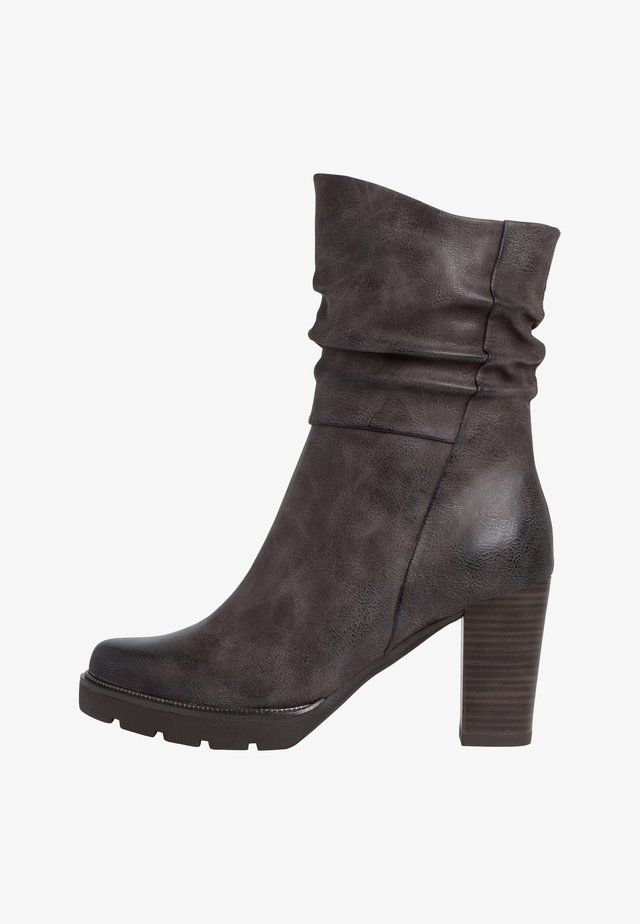 STIEFELETTE - Højhælede støvletter - stone antic