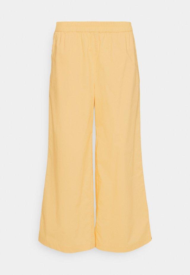 IRJAPW PANT - Pantalon classique - sahara sun