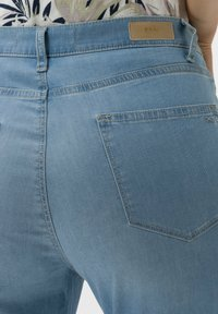 BRAX - STYLE MARY S - Slim fit jeans - used summer blue - 3
