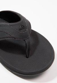 Reef - T-bar sandals - schwarz - 5