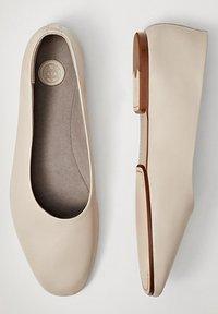Massimo Dutti - Ballet pumps - beige - 1