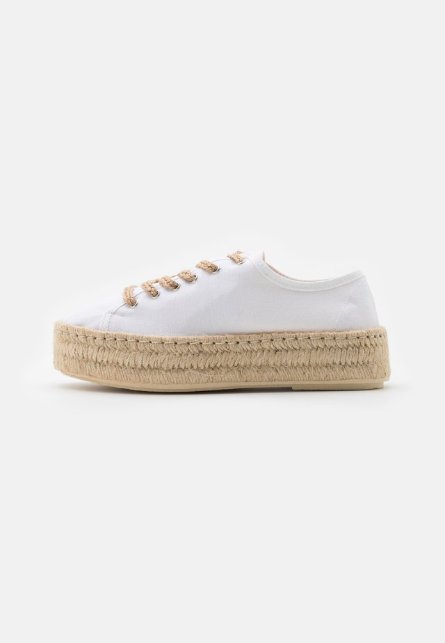 Chaussures à lacets - offwhite