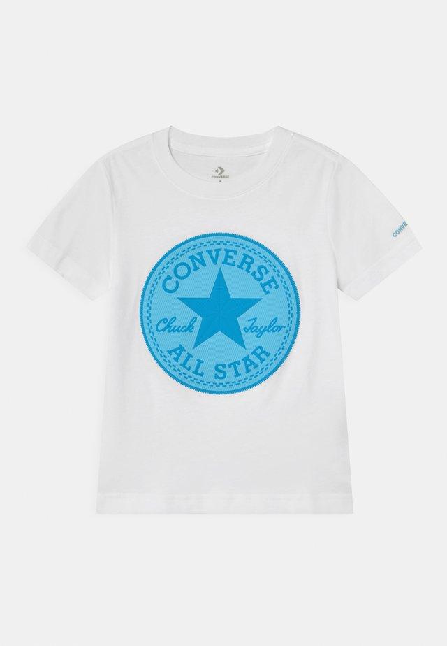 CHUCK PATCH GRAPHIC - Print T-shirt - white