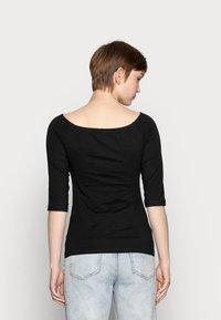 Even&Odd - 2 PACK - Langærmede T-shirts - white/black - 2