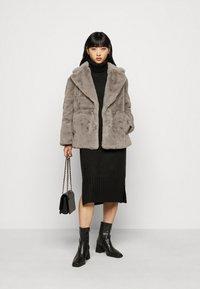 New Look Petite - Zimní bunda - dark grey - 1