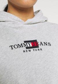 Tommy Jeans - CROP TIMELESS HOOD - Sweatshirt - silver grey heater - 5