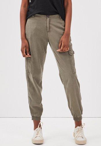 UMWELTFREUNDLICHE  - Cargo trousers - vert kaki