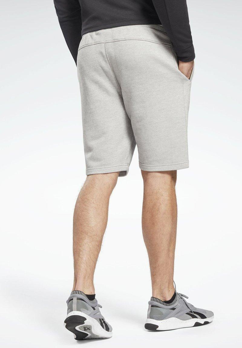 Reebok Men/'s Training Essentials Melange Shorts
