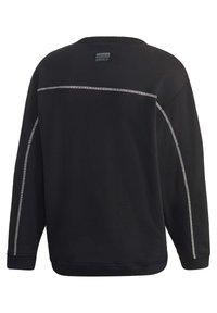 adidas Originals - CREW SWEATSHIRT - Sweatshirt - black - 9