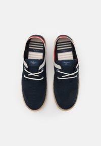 Pepe Jeans - TOURIST SAILOR - Volnočasové šněrovací boty - navy - 3