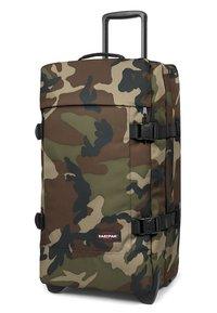 Eastpak - TRANVERZ M CORE COLORS  - Wheeled suitcase - camo - 2